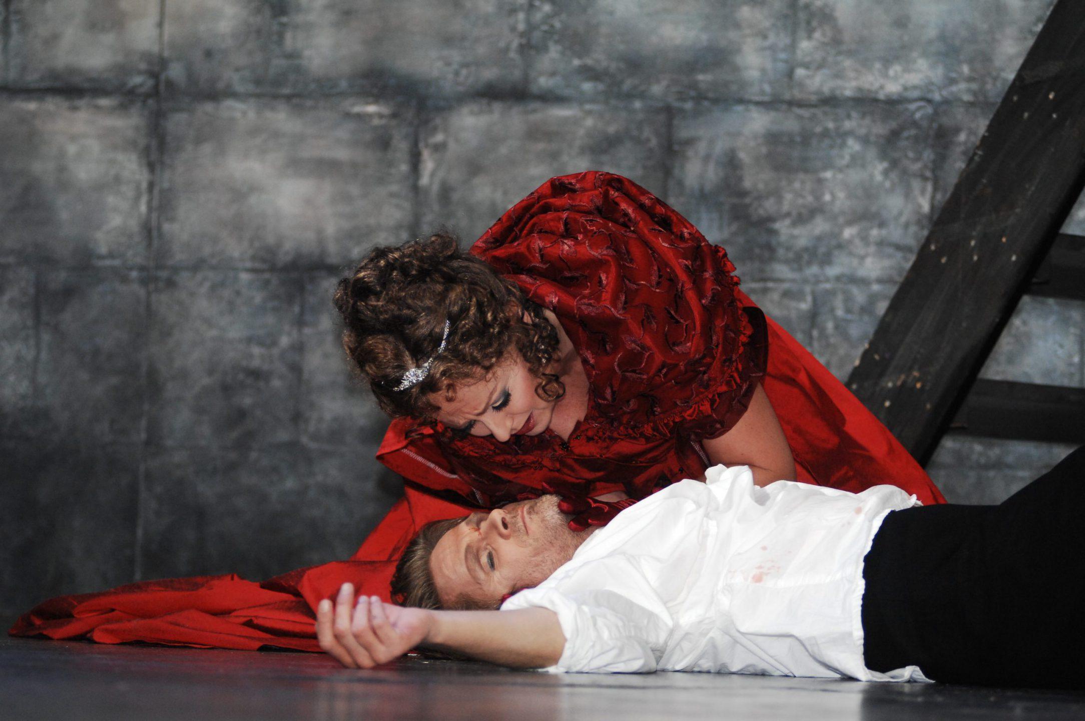 Tosca 2008